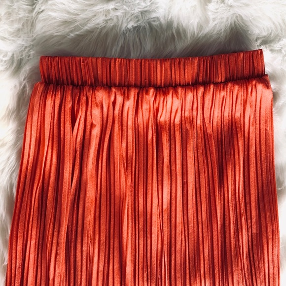 {PLEATED} Midi Skirt : Rust red : High-waisted : L